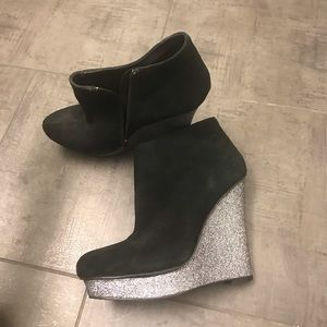 NEW SUEDE GLITTER WEDGE DOLCE VITA BOOTIES 9
